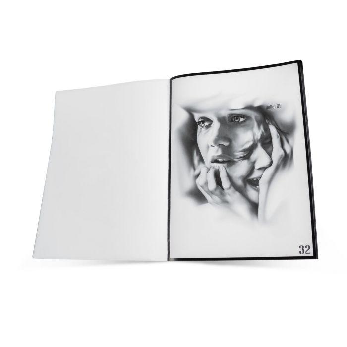 Bullet BG - Digital Artwork (Recueil d'Œuvres d'Art Numériques)